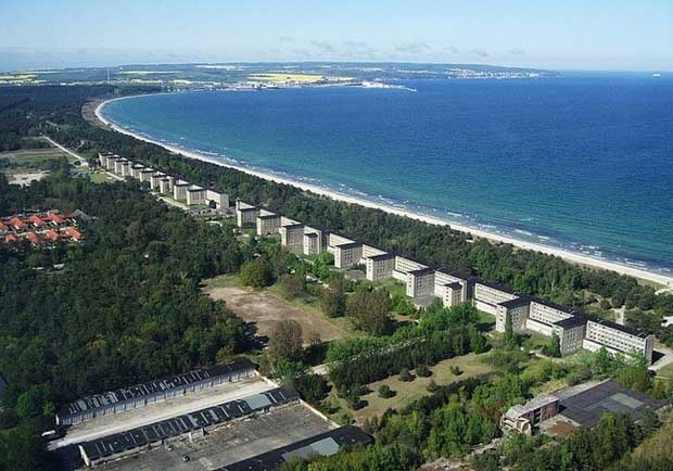 prora-beach-resort-to-politeles-theretro-tou-xitler (2)